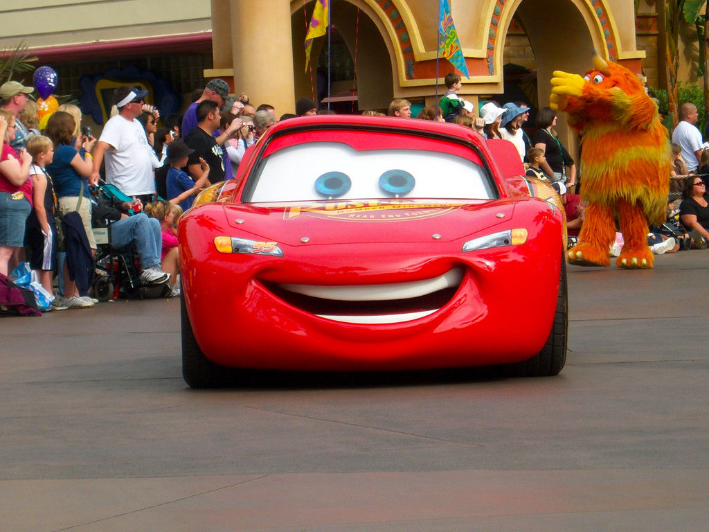 lightning mcqueen in parade